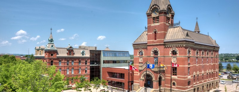 프레더릭턴-cityhall.jpg