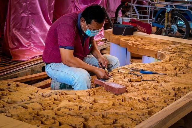 carving-1560906_640.jpg