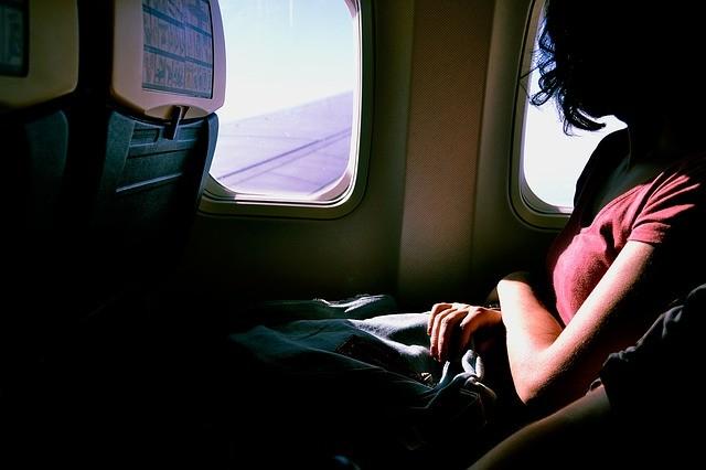 airplane-1209752_640.jpg