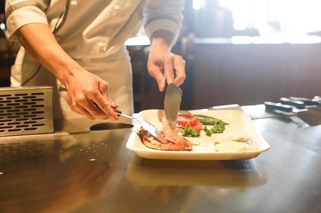 restaurant-1284351_640.jpg