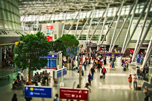 airport-1515448_640 (1).jpg