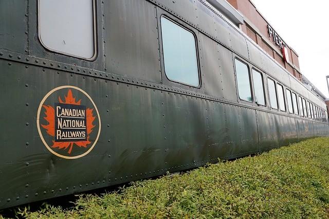 train-1907660_640.jpg