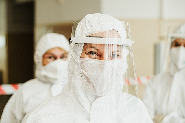 protective-suit-5716753_640.jpg
