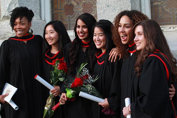 퀸즈 대학교 (Queen's University) 어학과정을 소개합니다.