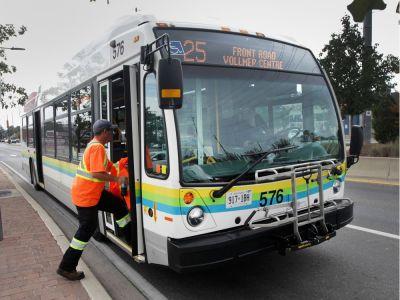 윈저 News: 리밍턴에서 윈저를 잇는 버스 노선이 개통!